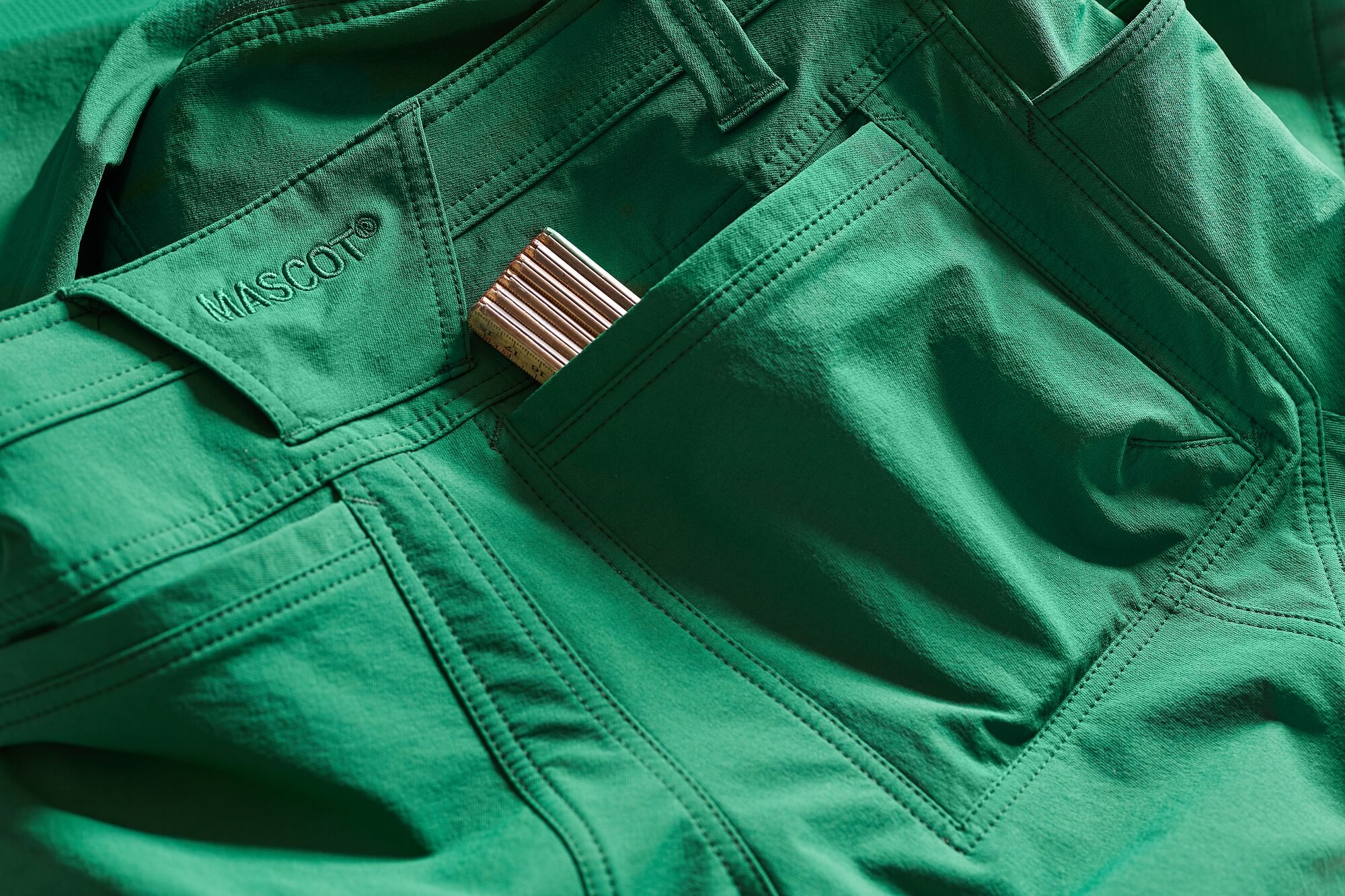 Back pocket. - Green - MASCOT® ACCELERATE - Detail